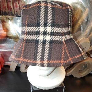 Burberry London Vintage Bucket Hat Wool NOVA CHECK